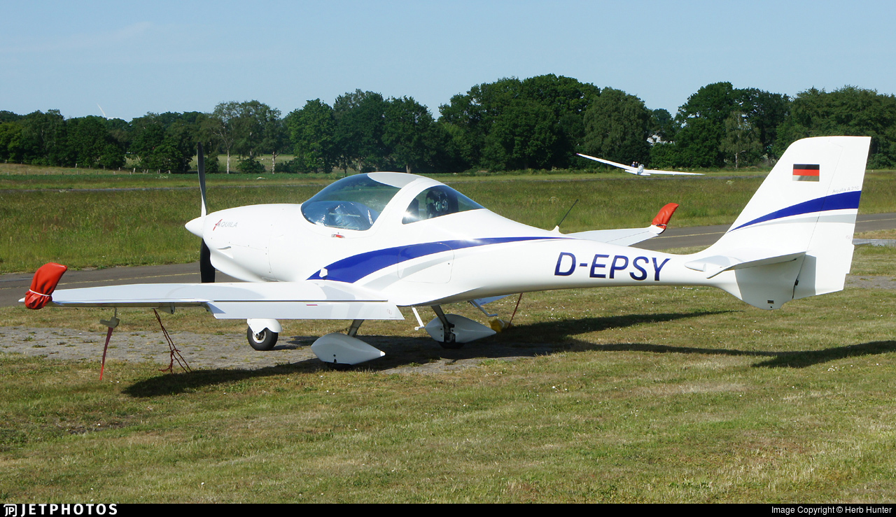 D-EPSY - Aquila A210 - Private