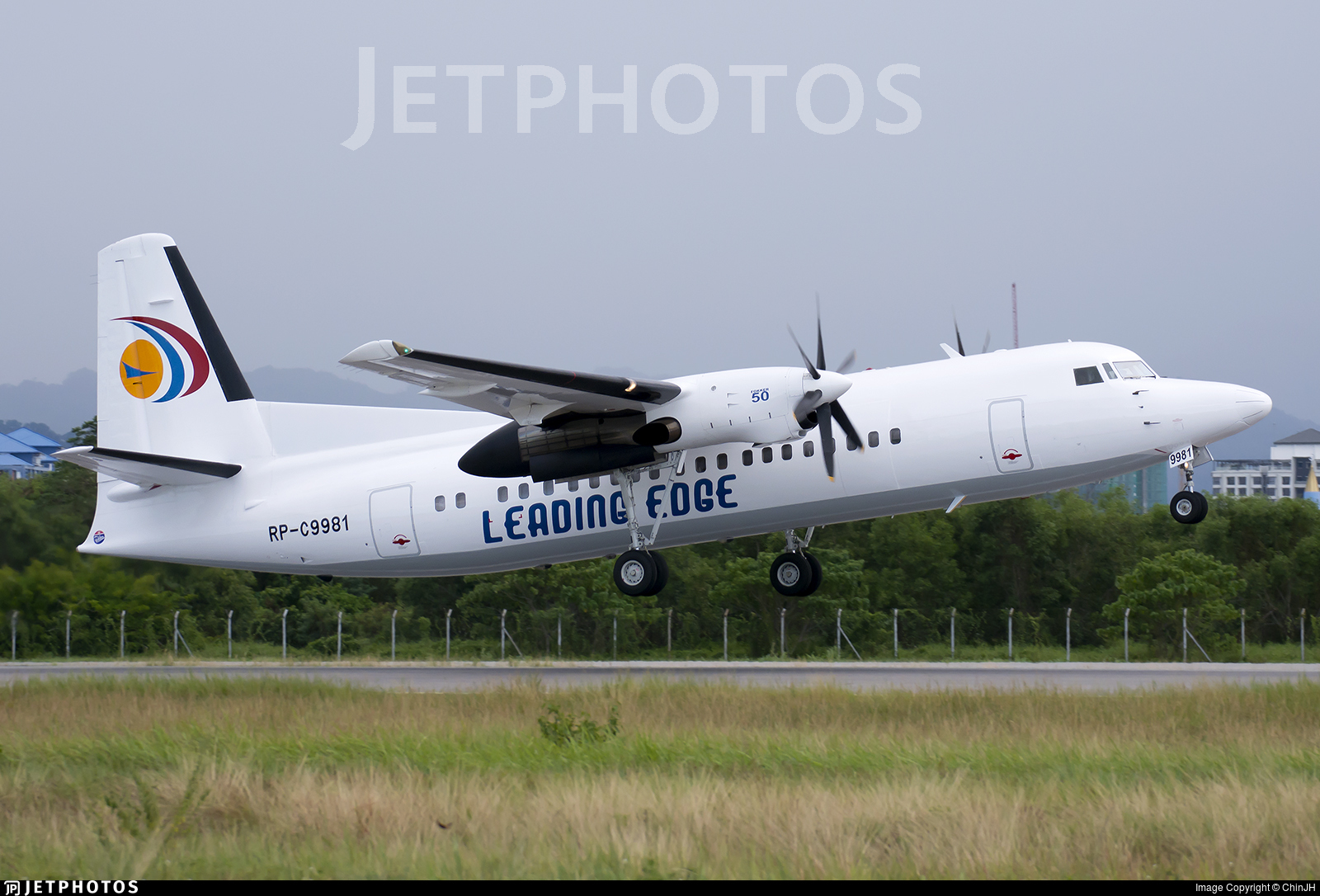 RP-C9981 - Fokker 50 - Leading Edge Air Services