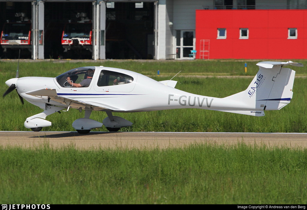 F-GUVV - Diamond DA-40D Diamond Star TDI - European Aero Training Institute Strasbourg (E.A.T.I.S)