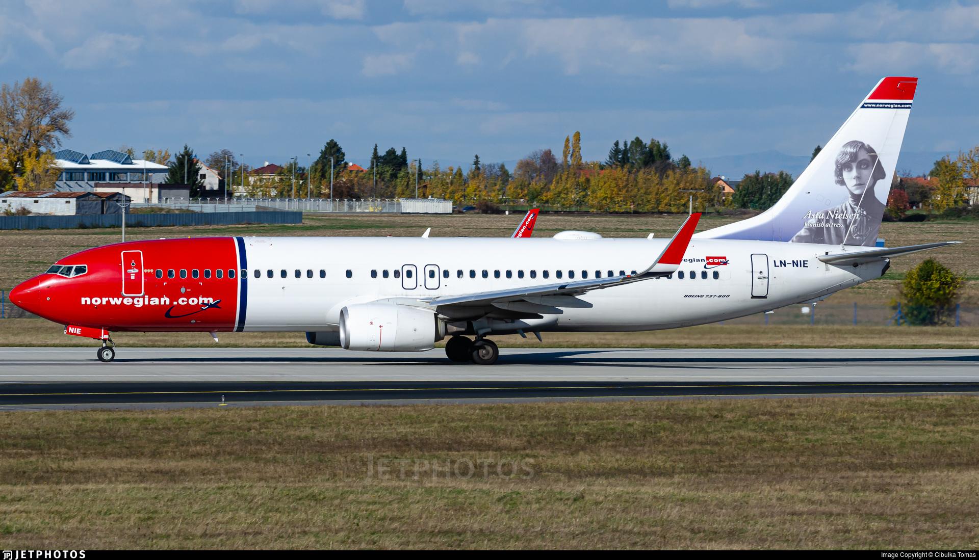 LN-NIE - Boeing 737-8JP - Norwegian