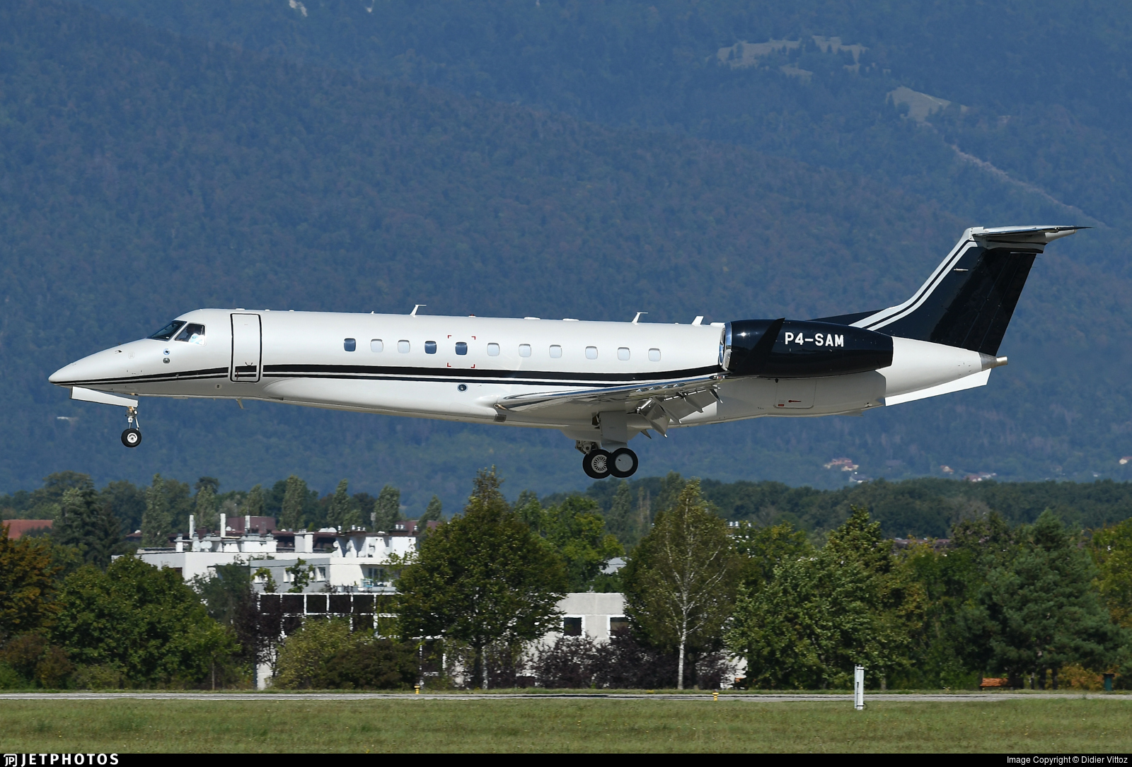 P4-SAM - Embraer ERJ-135BJ Legacy 650 - Private