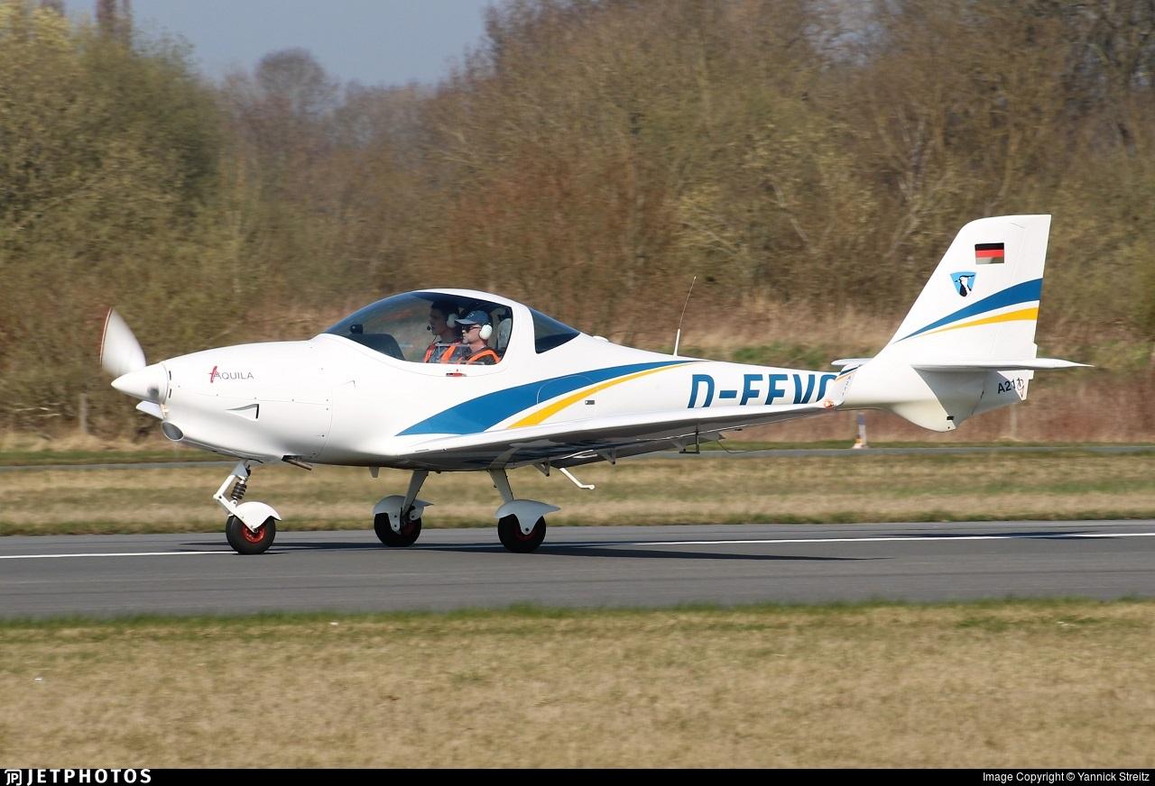 D-EEVC - Aquila A211G - Private