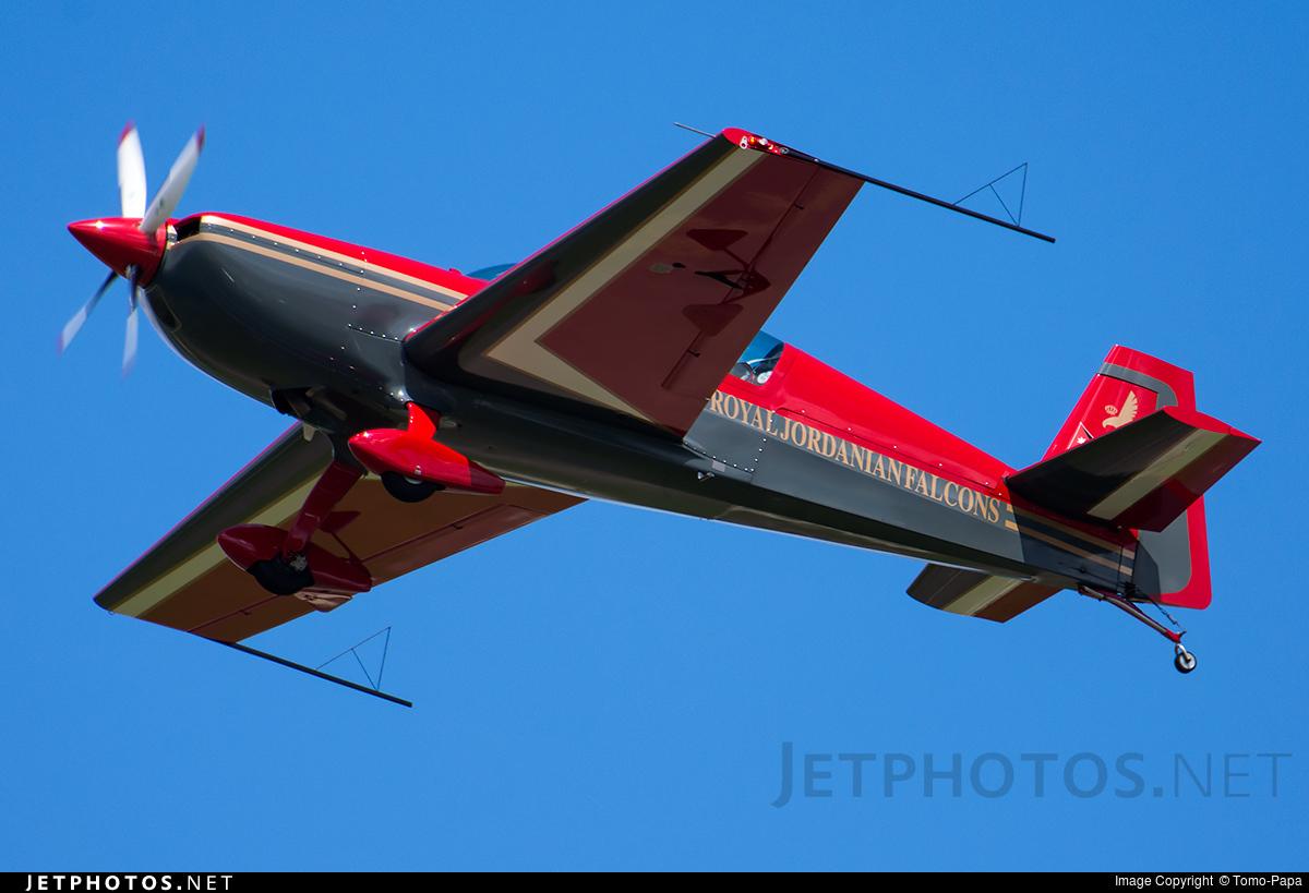 JY-RFC - Extra 300LP - Royal Jordanian Falcons