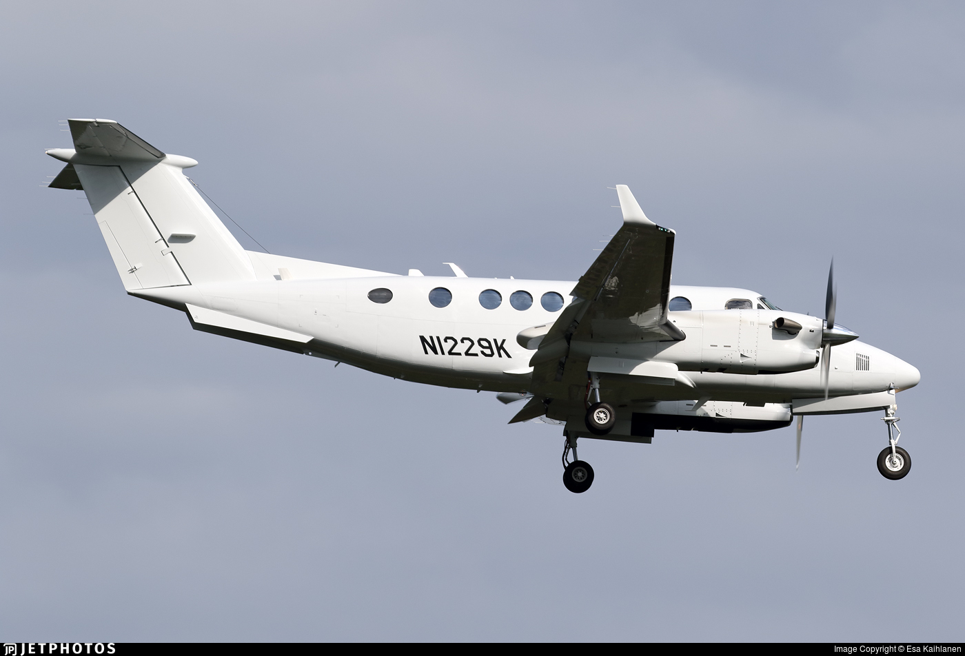 N1229K - Beechcraft B300 King Air 350 - Private
