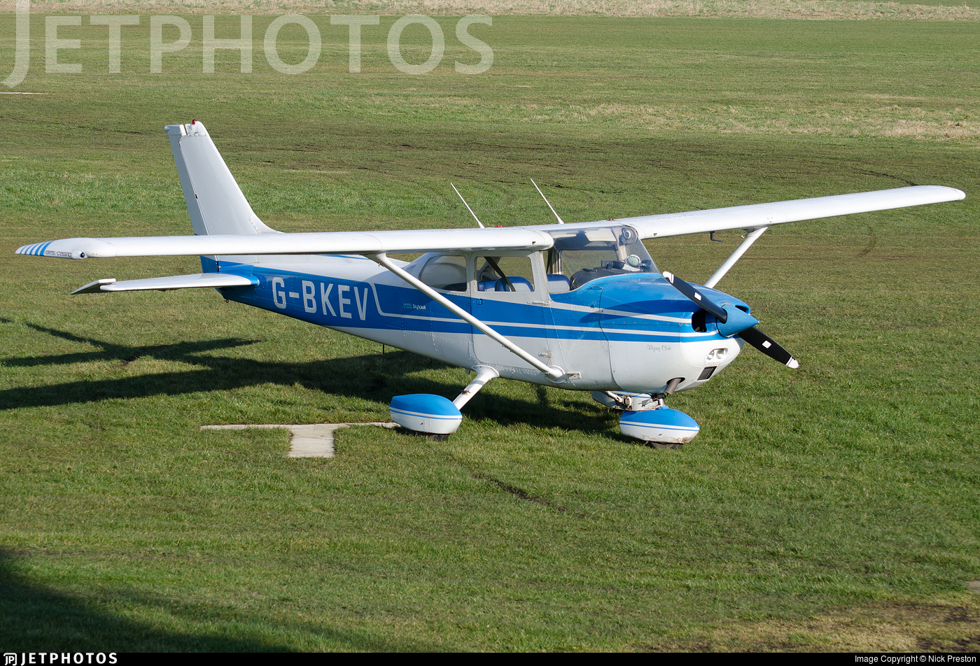 G-BKEV - Reims-Cessna F172M Skyhawk - Private