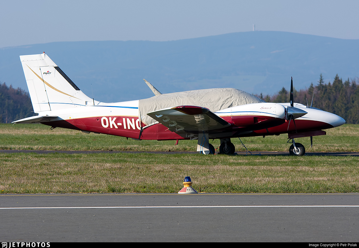 OK-INC - Piper PA-34-220T Seneca V - Private