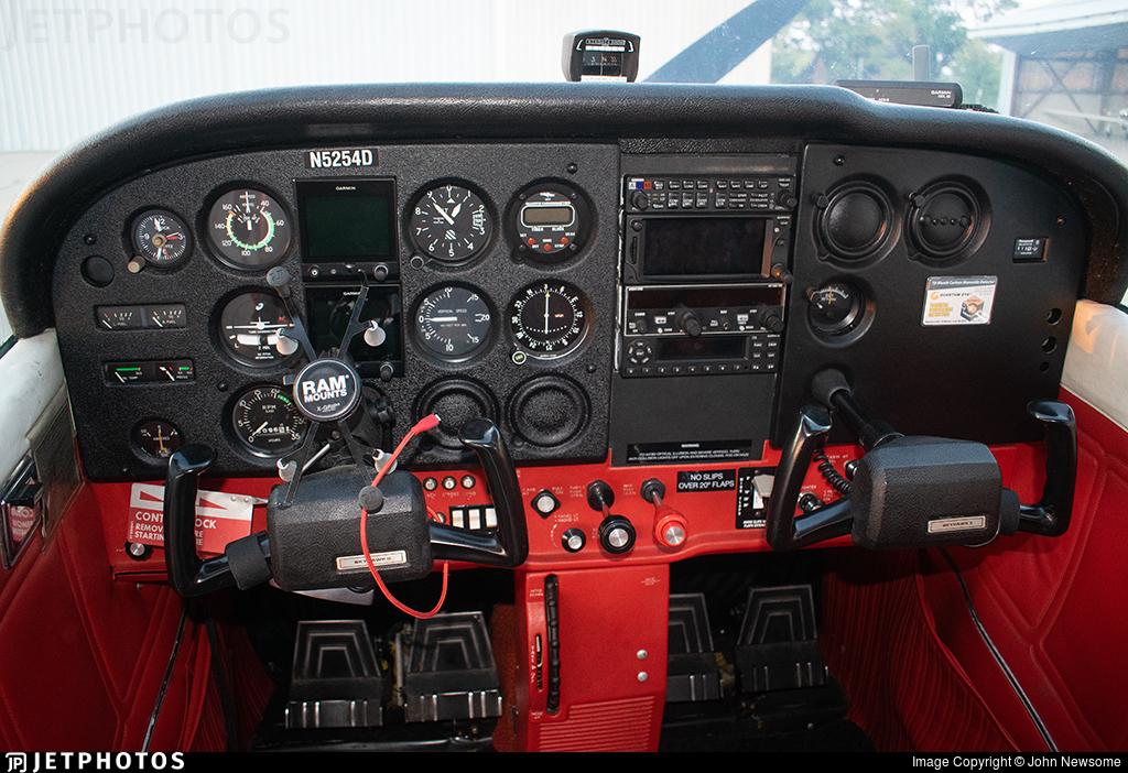 N5254D - Cessna 172N Skyhawk - Inflight Pilot Training