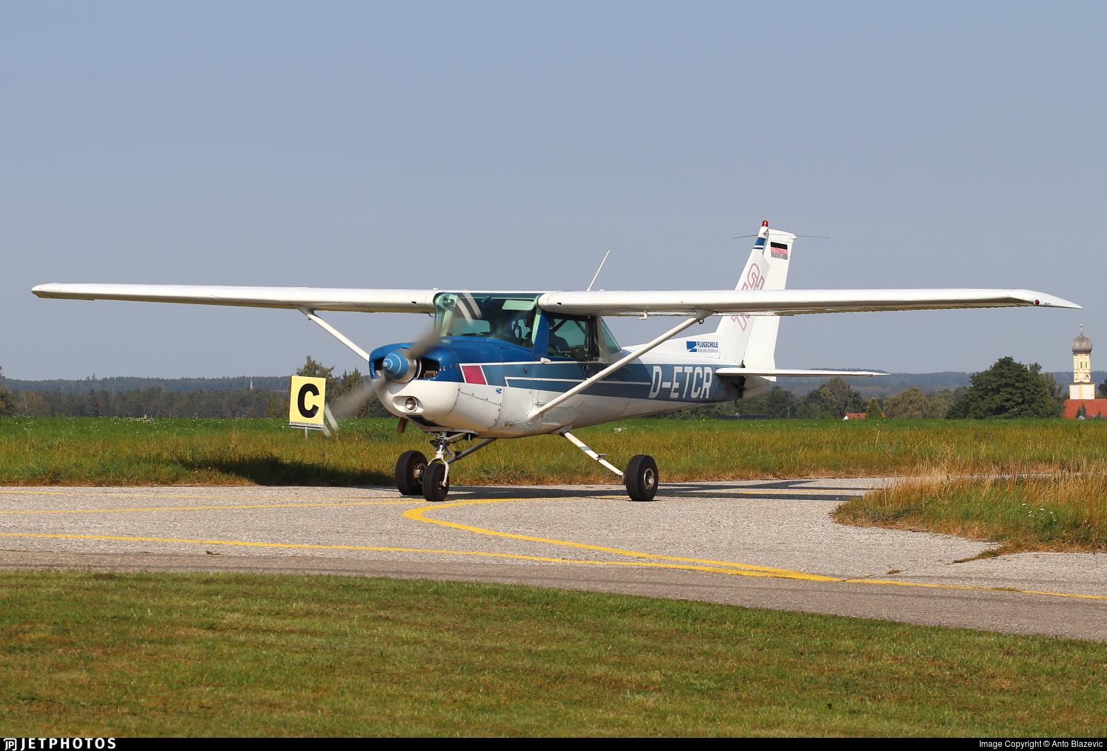 D-ETCR - Cessna 152 - Flugschule Jesenwang