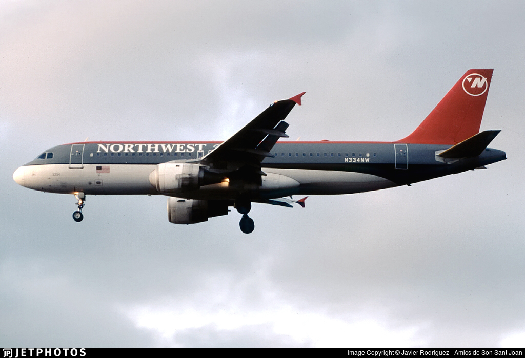 N334NW - Airbus A320-212 - Northwest Airlines