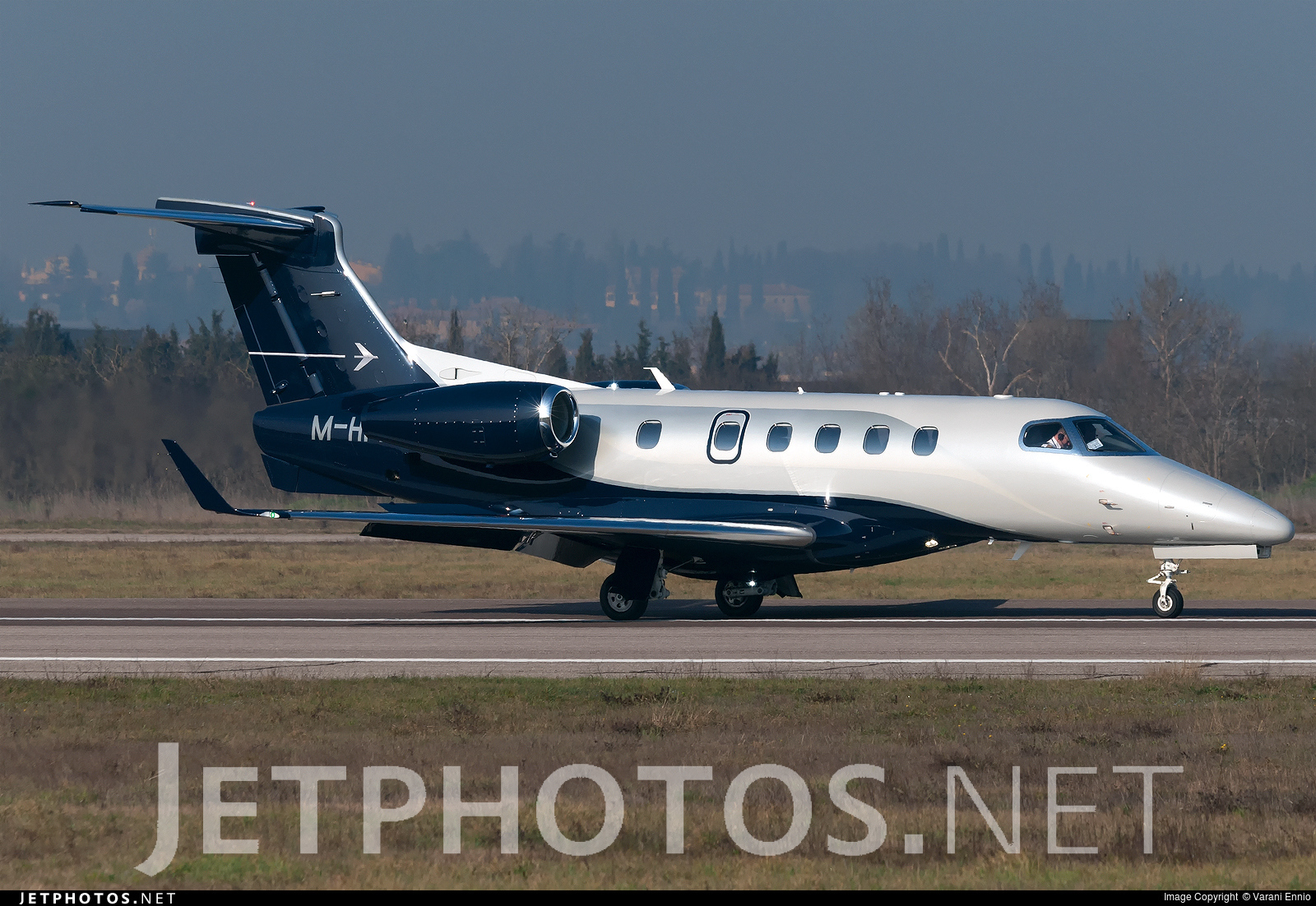 M-HPIN - Embraer 505 Phenom 300 - Private