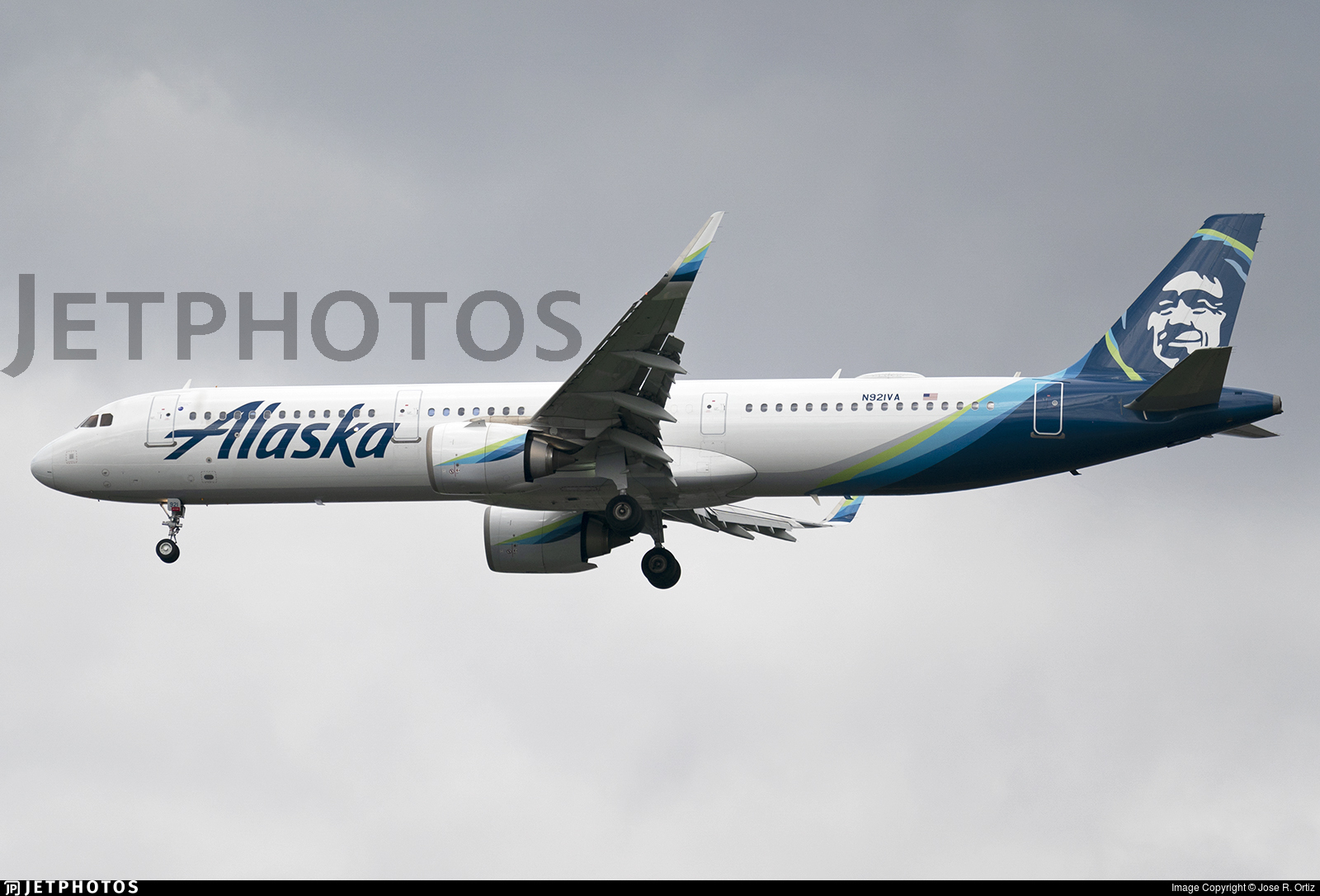 N921VA - Airbus A321-253N - Alaska Airlines
