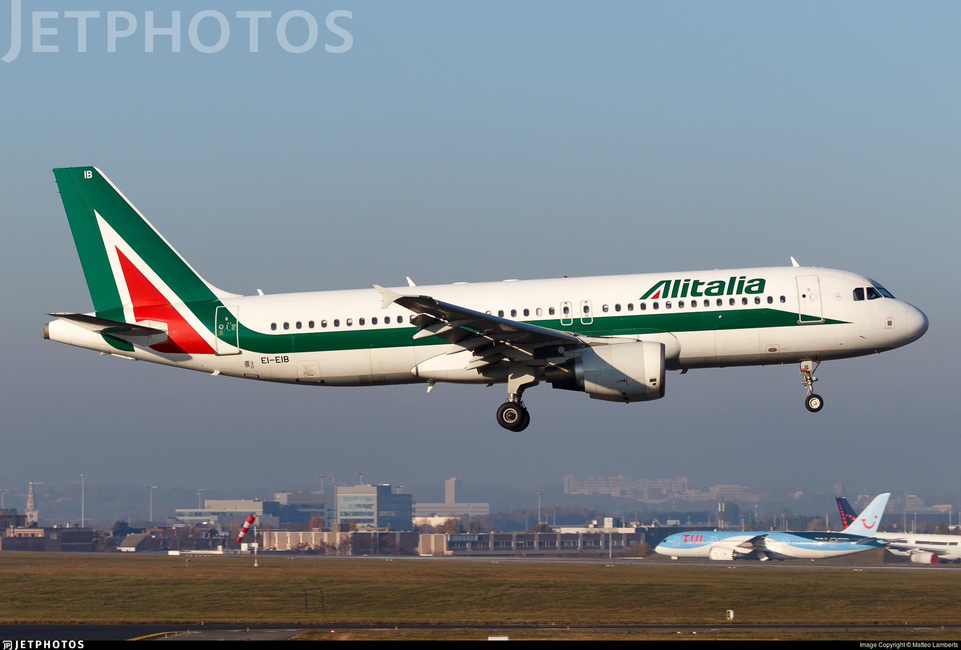 EI-EIB - Airbus A320-216 - Alitalia