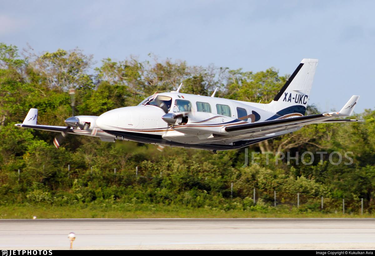 XA-UKC - Piper PA-31-325 Navajo C/R - Private