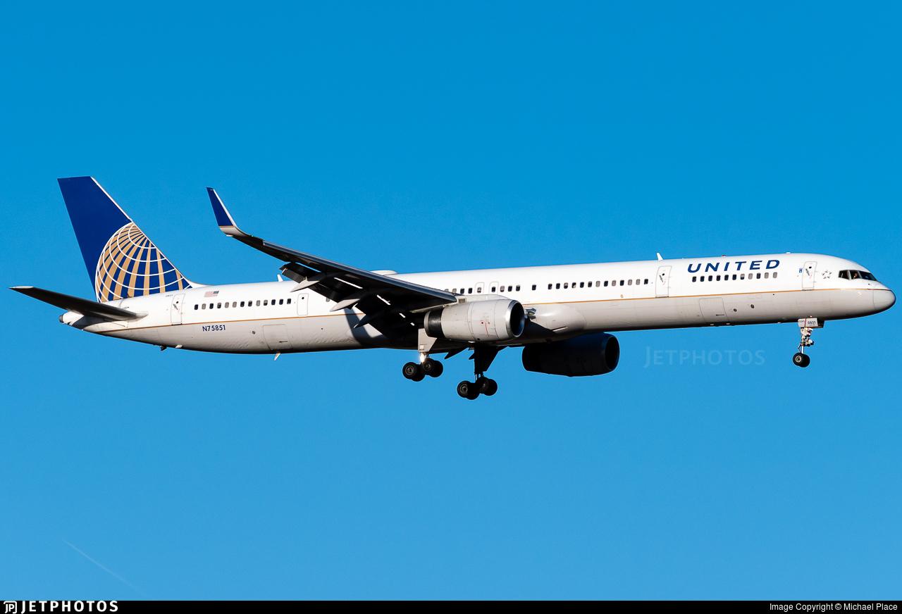 N75851 - Boeing 757-324 - United Airlines