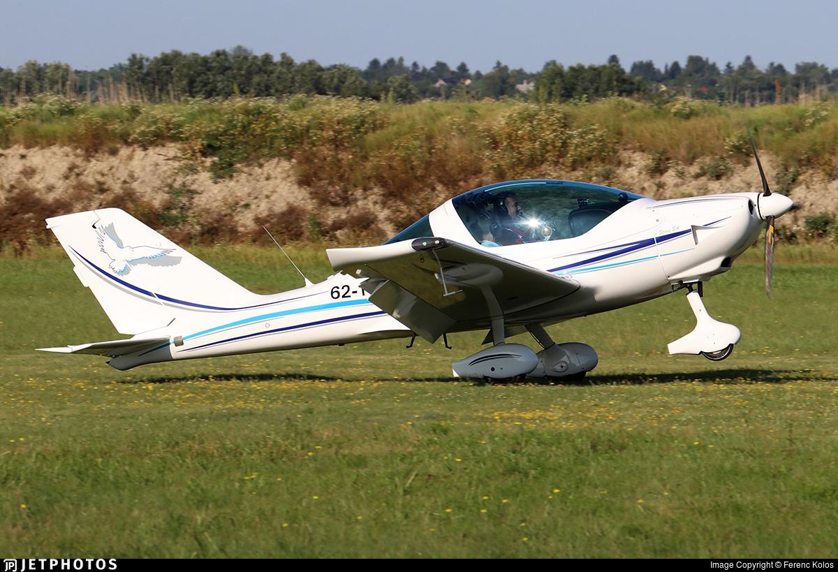 62-11 - TL Ultralight TL-2000 Sting S4 - Private