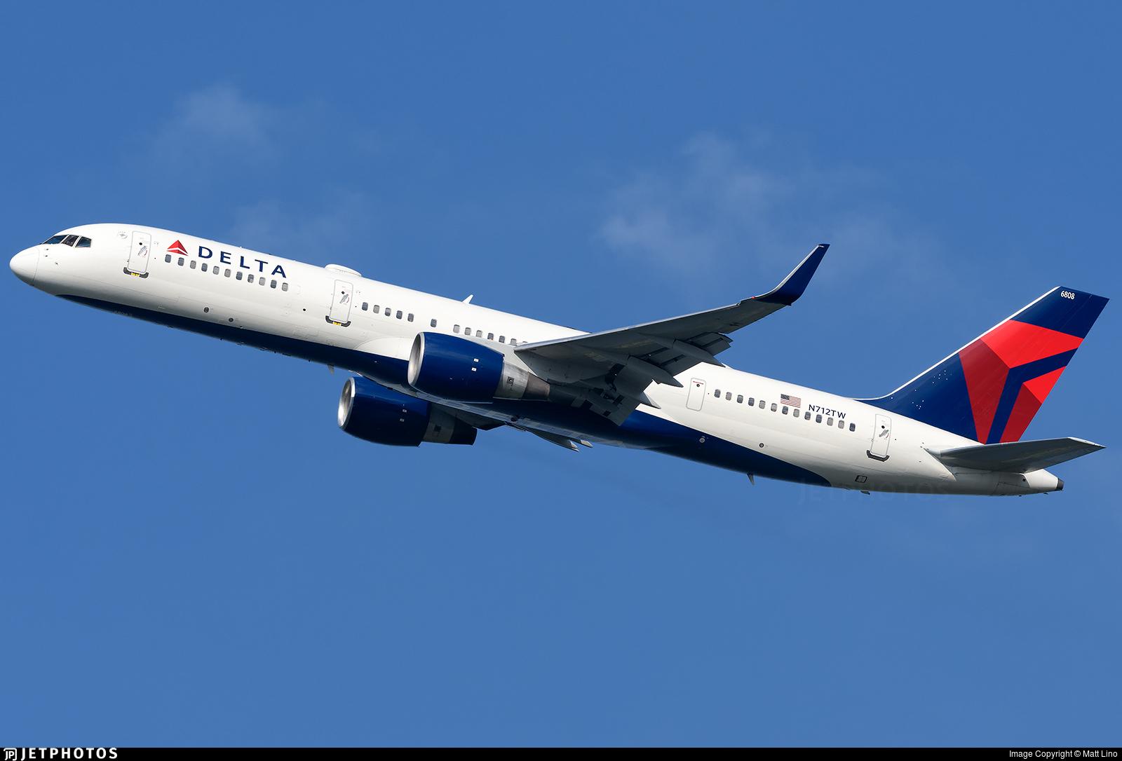 N712TW - Boeing 757-2Q8 - Delta Air Lines