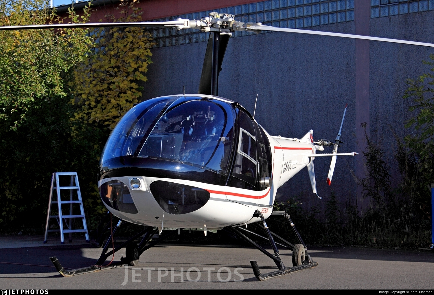 G-SHUU - Enstrom 280C Shark - Private
