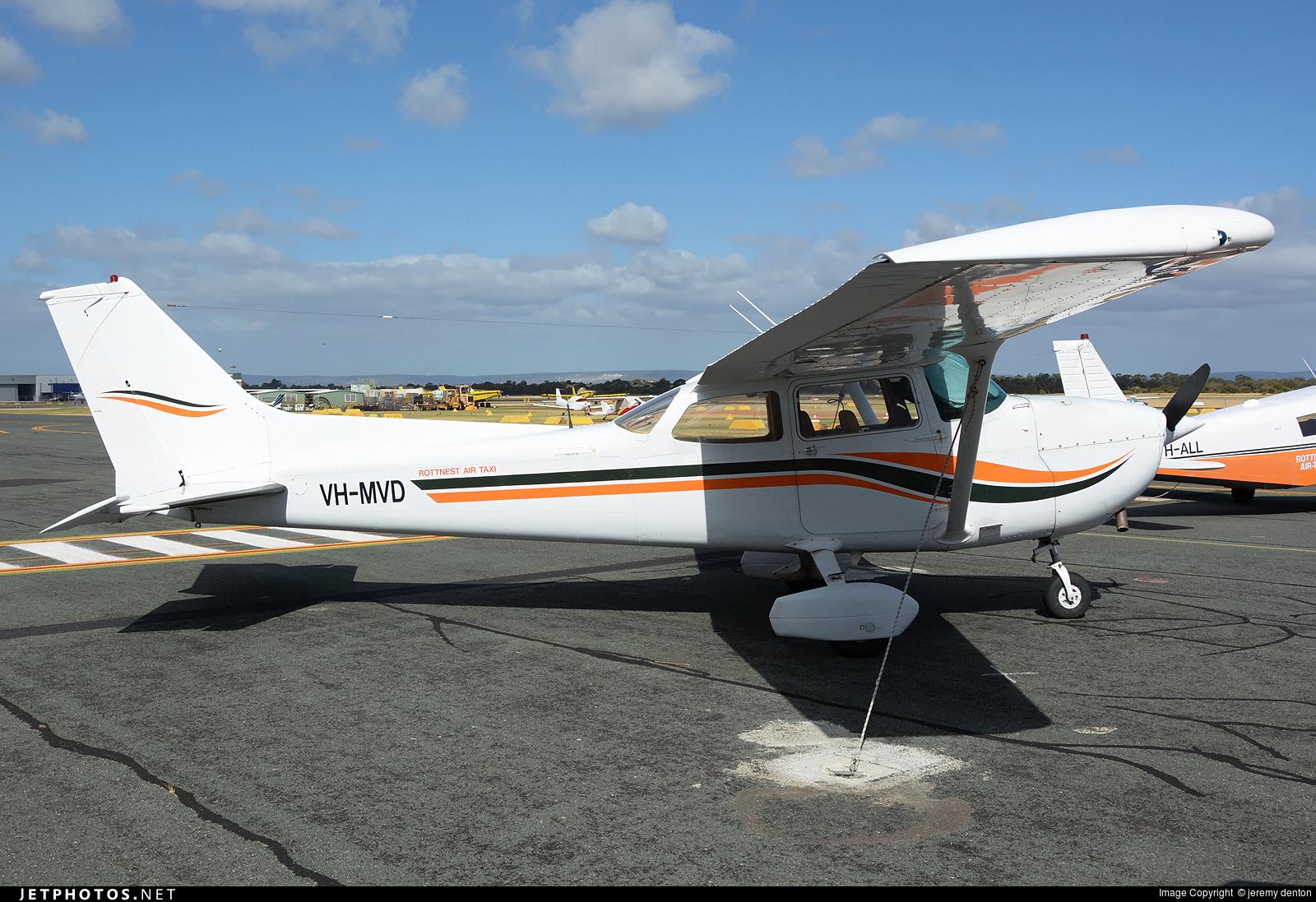 VH-MVD - Cessna 172N Skyhawk II - Rottnest Air-Taxi