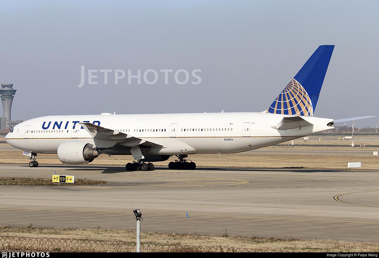 N228UA - Boeing 777-222(ER) - United Airlines