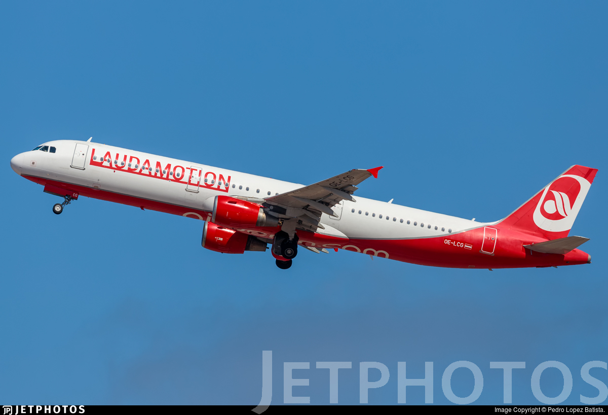 OE-LCG - Airbus A321-211 - LaudaMotion