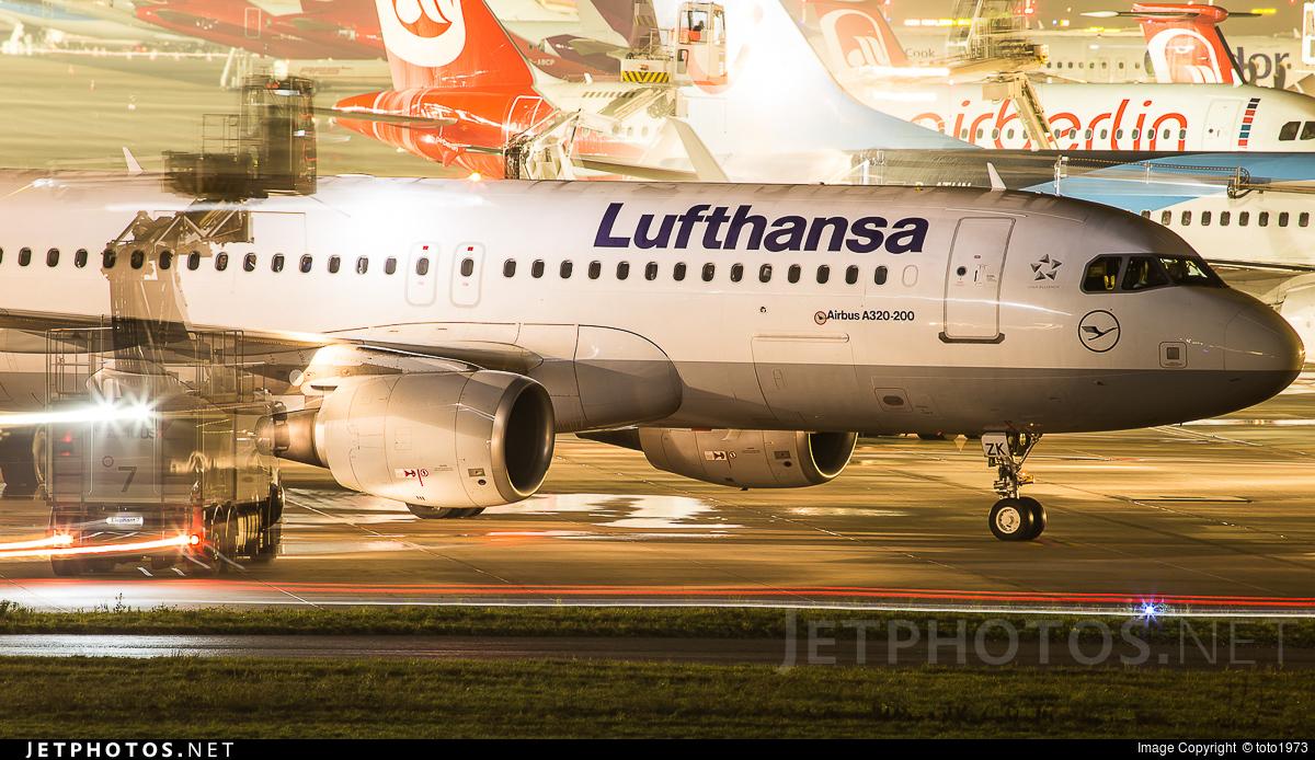 D-AIZK - Airbus A320-214 - Lufthansa
