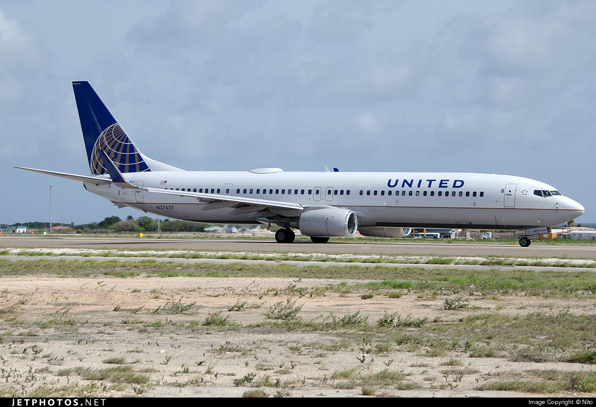 N37427 - Boeing 737-924ER - United Airlines