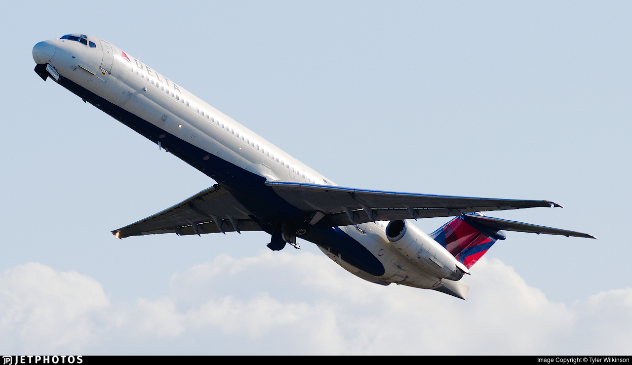 N999DN - McDonnell Douglas MD-88 - Delta Air Lines