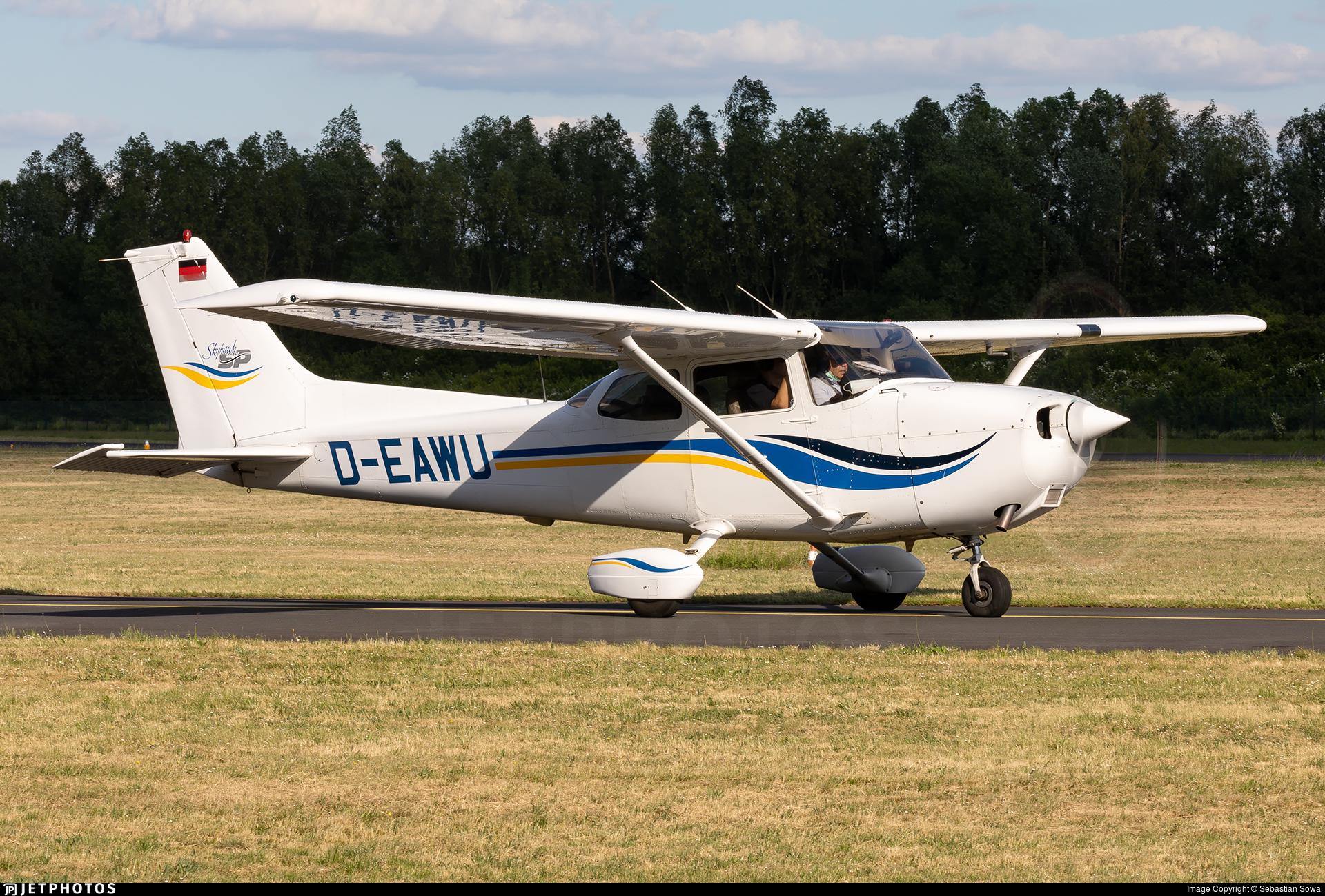 D-EAWU - Cessna 172S Skyhawk SP - Frankfurter Verein für Luftfahrt (FVL)