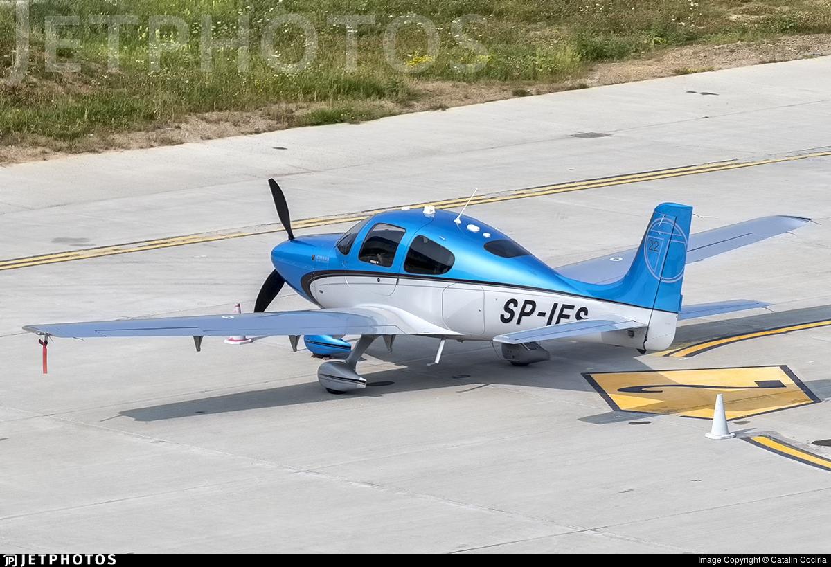 SP-IES - Cirrus SR22-GTS - Private