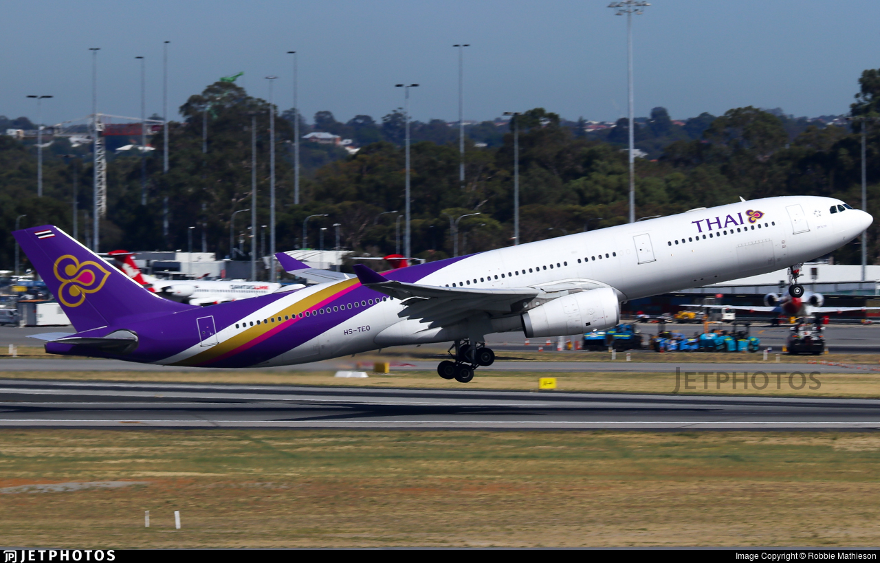 HS-TEO - Airbus A330-343 - Thai Airways International