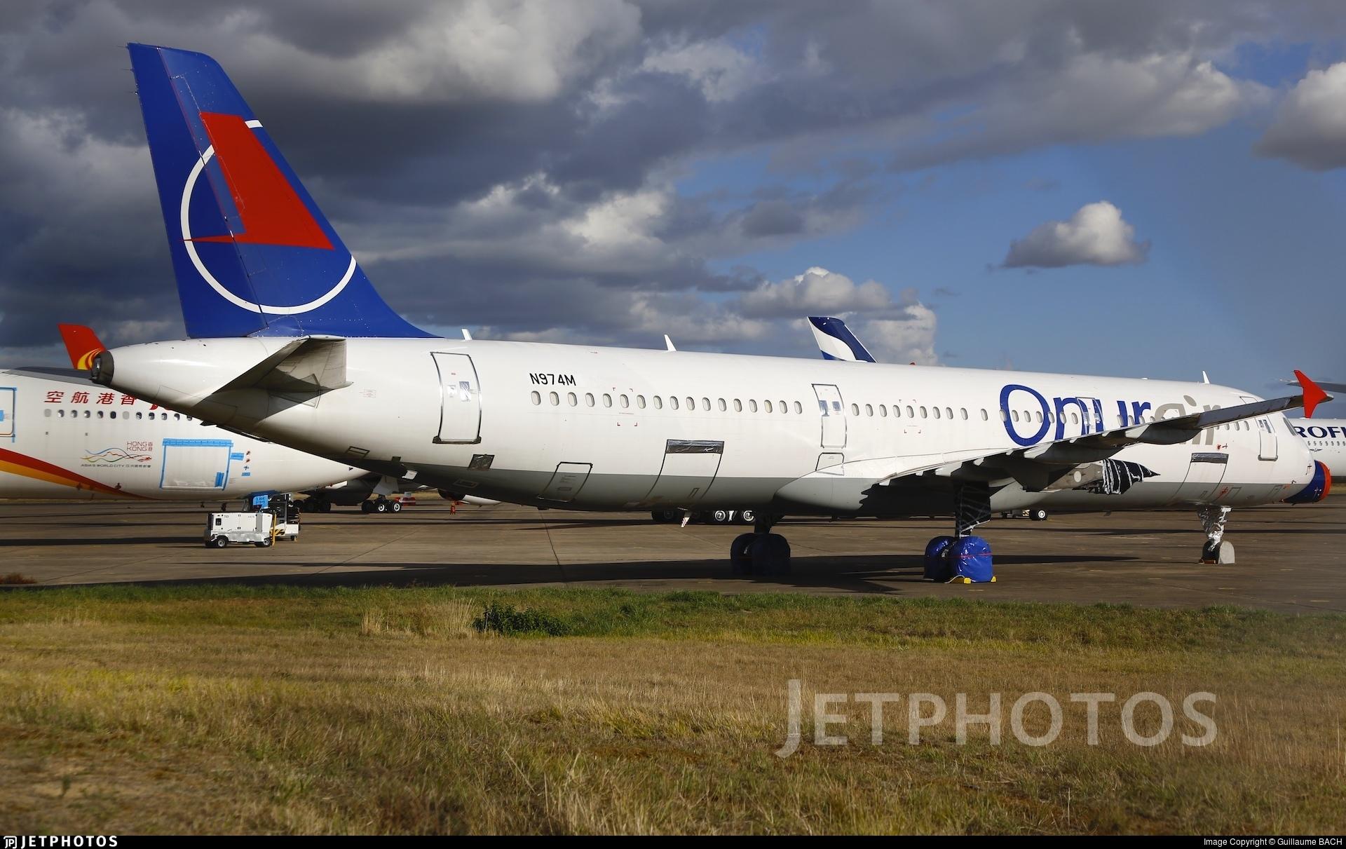 N974M - Airbus A321-231 - Vallair