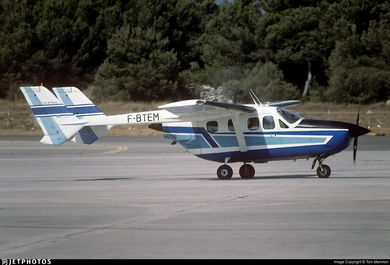 F-BTEM | Reims-Cessna F337G Super Skymaster | Private | Toni
