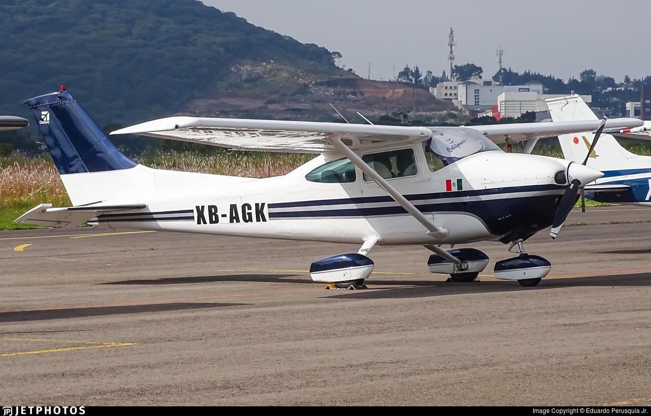 XB-AGK - Cessna 182Q Skylane - Private