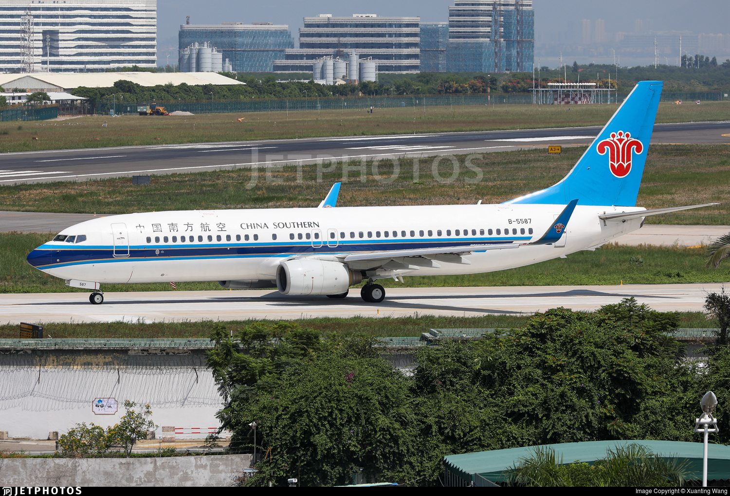 B-5587 - Boeing 737-81B - China Southern Airlines