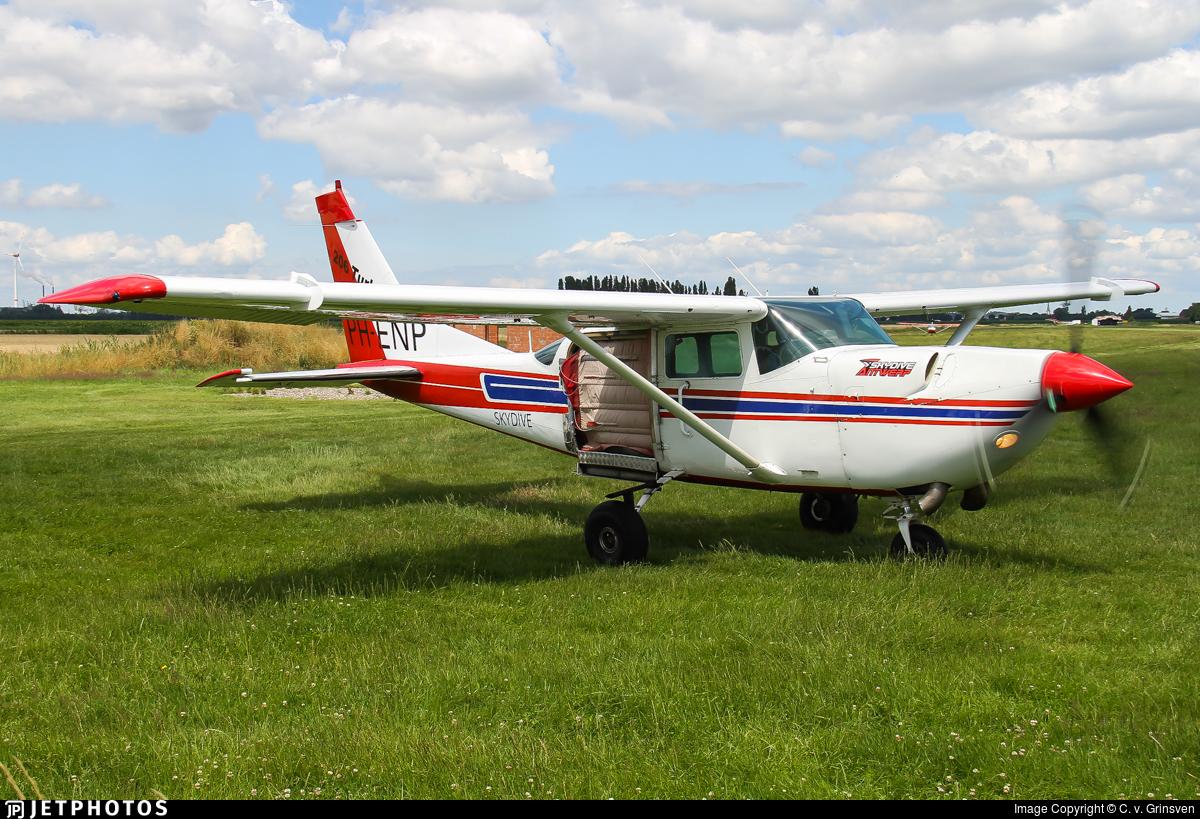 PH-ENP - Cessna U206G Stationair Soloy - Skydive Antwerp