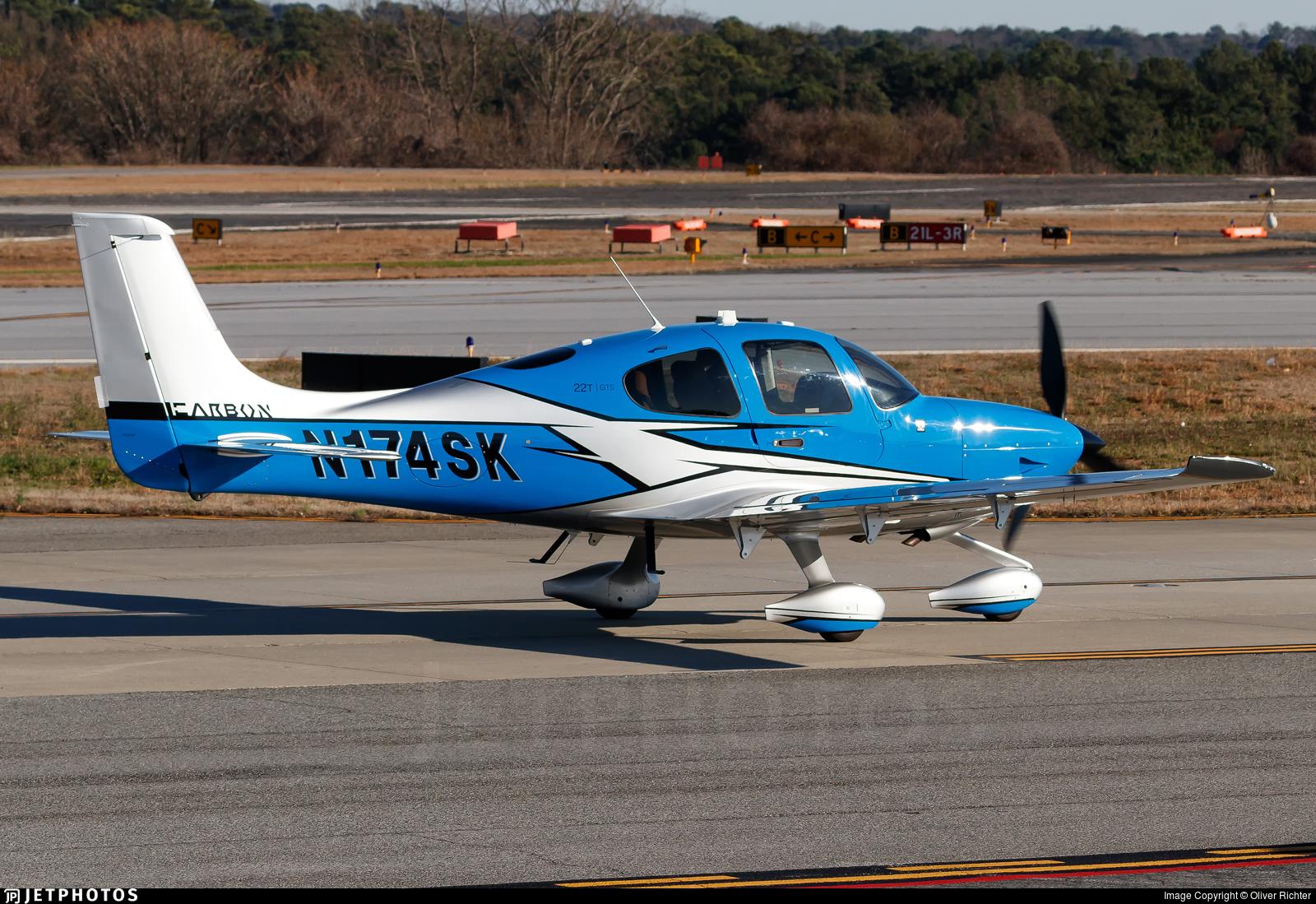 N174SK - Cirrus SR22T-GTS G6 Carbon - Private