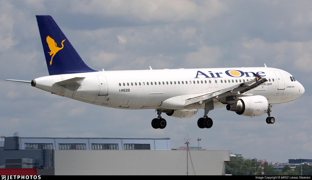 I-WEBB - Airbus A320-214 - Air One