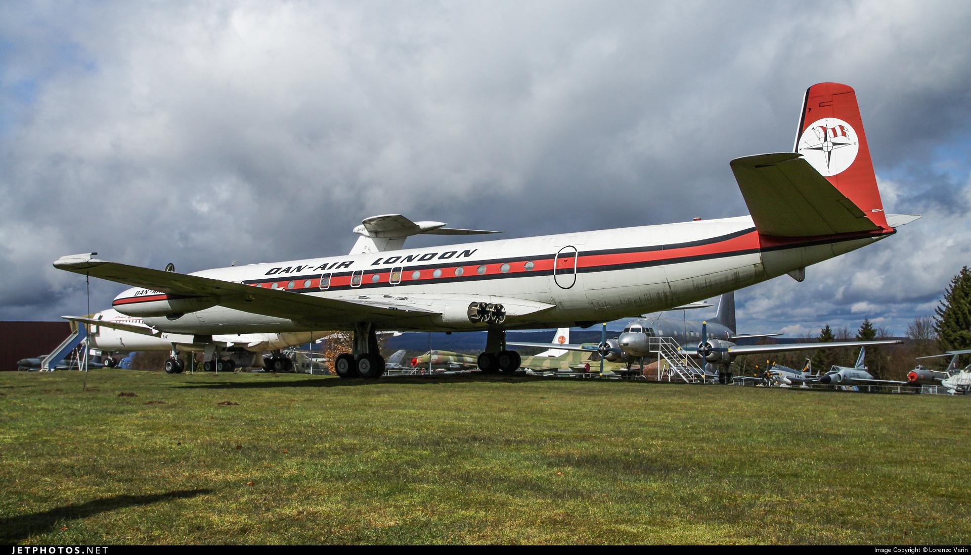 G-BDIW - De Havilland DH-106 Comet 4C - Dan-Air London
