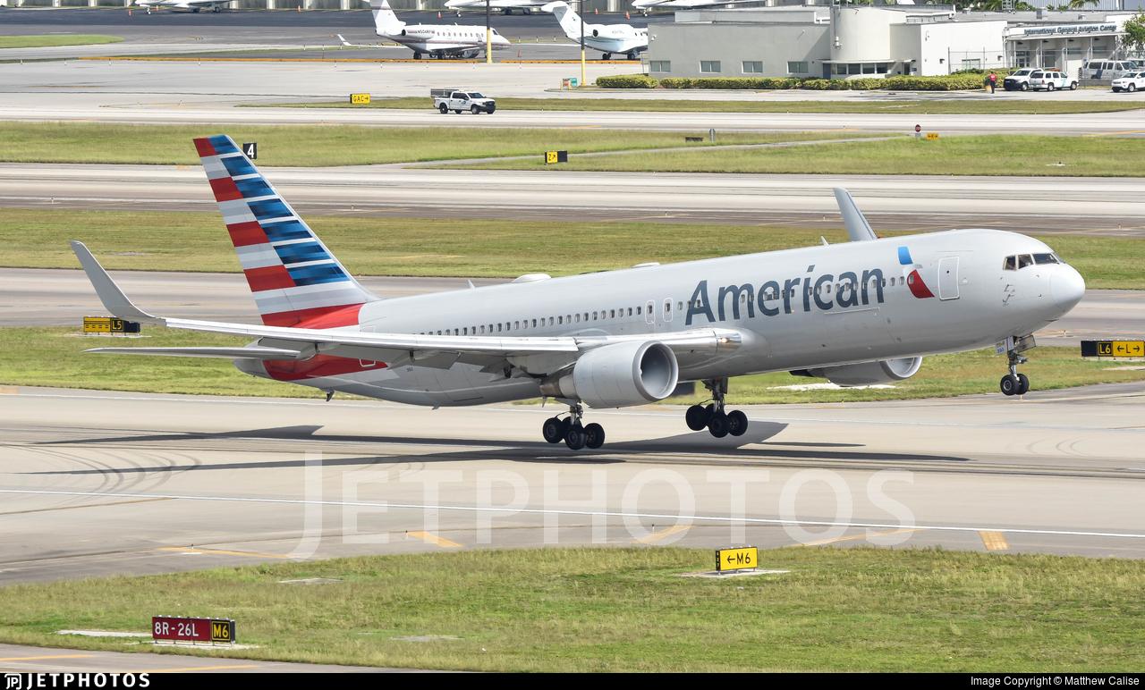 N393AN - Boeing 767-323(ER) - American Airlines