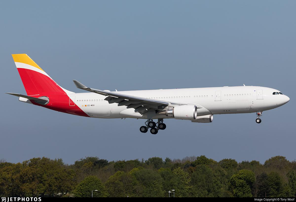 EC-MOU - Airbus A330-202 - Iberia