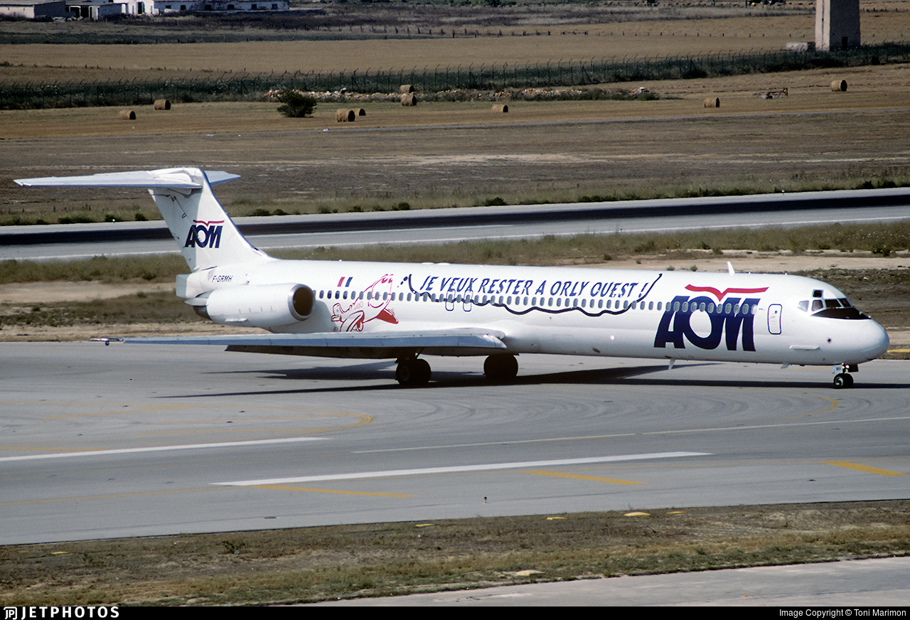 F-GRMH - McDonnell Douglas MD-83 - AOM French Airlines