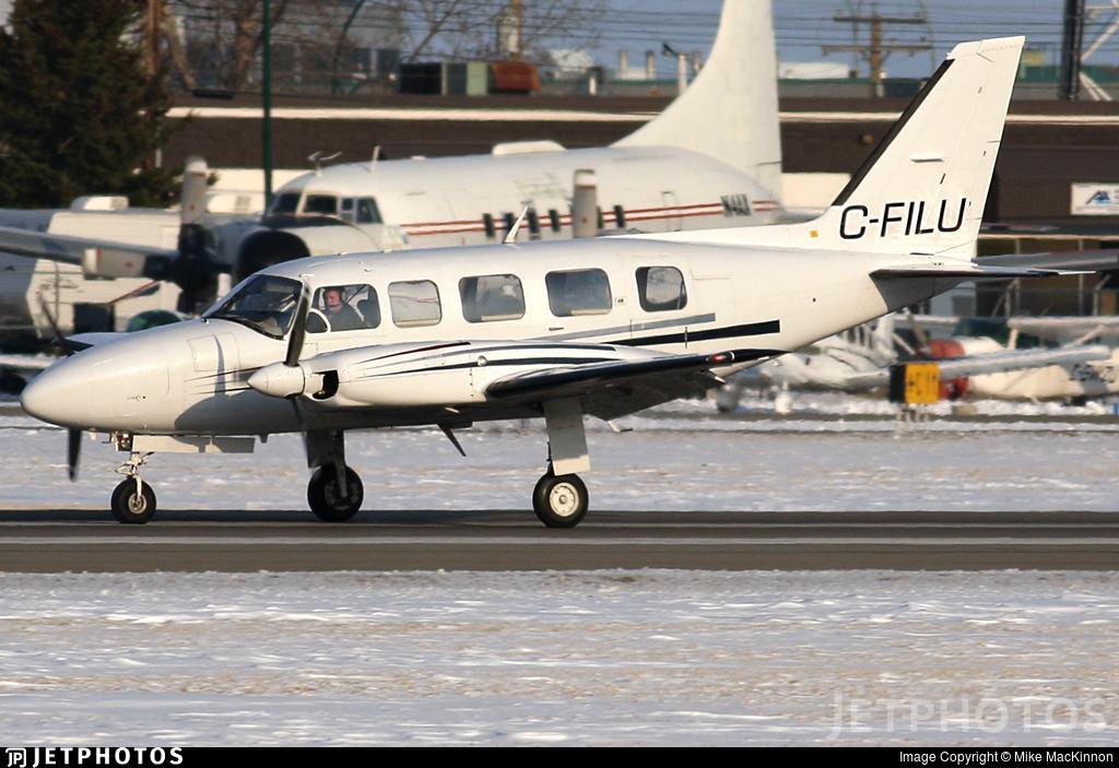C-FILU - Piper PA-31-350 Navajo Chieftain - Private