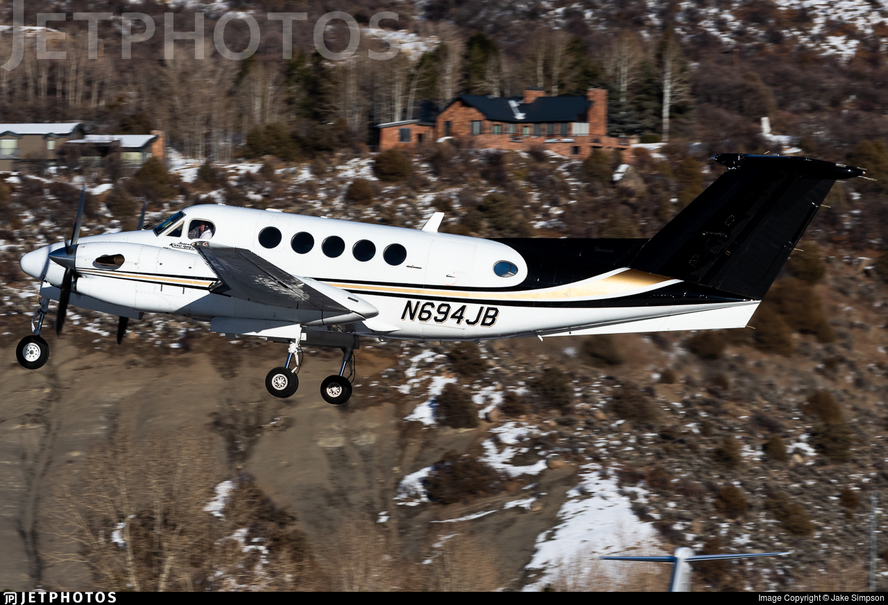 N694JB - Beechcraft 300 Super King Air - Private
