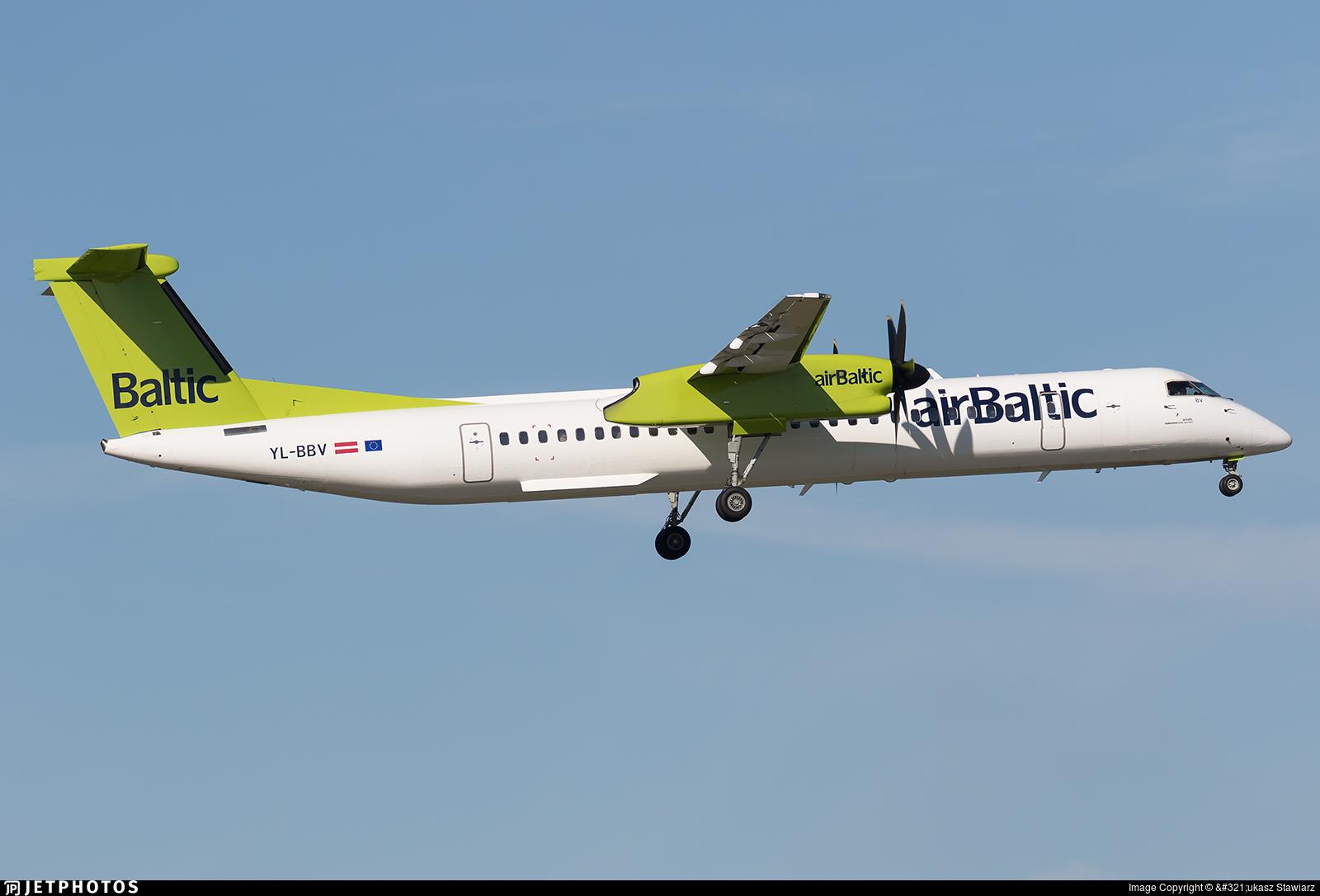 YL-BBV - Bombardier Dash 8-Q402 - Air Baltic