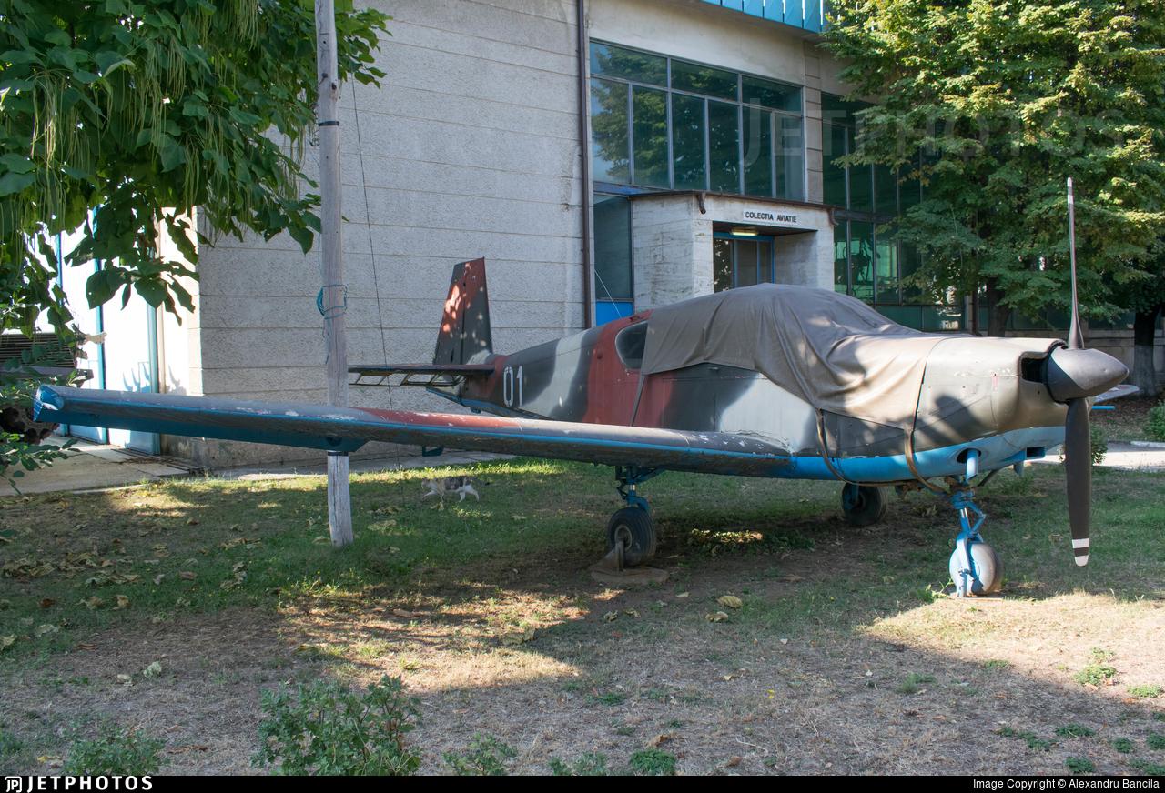 01 - IAR-823 - Romania - Air Force