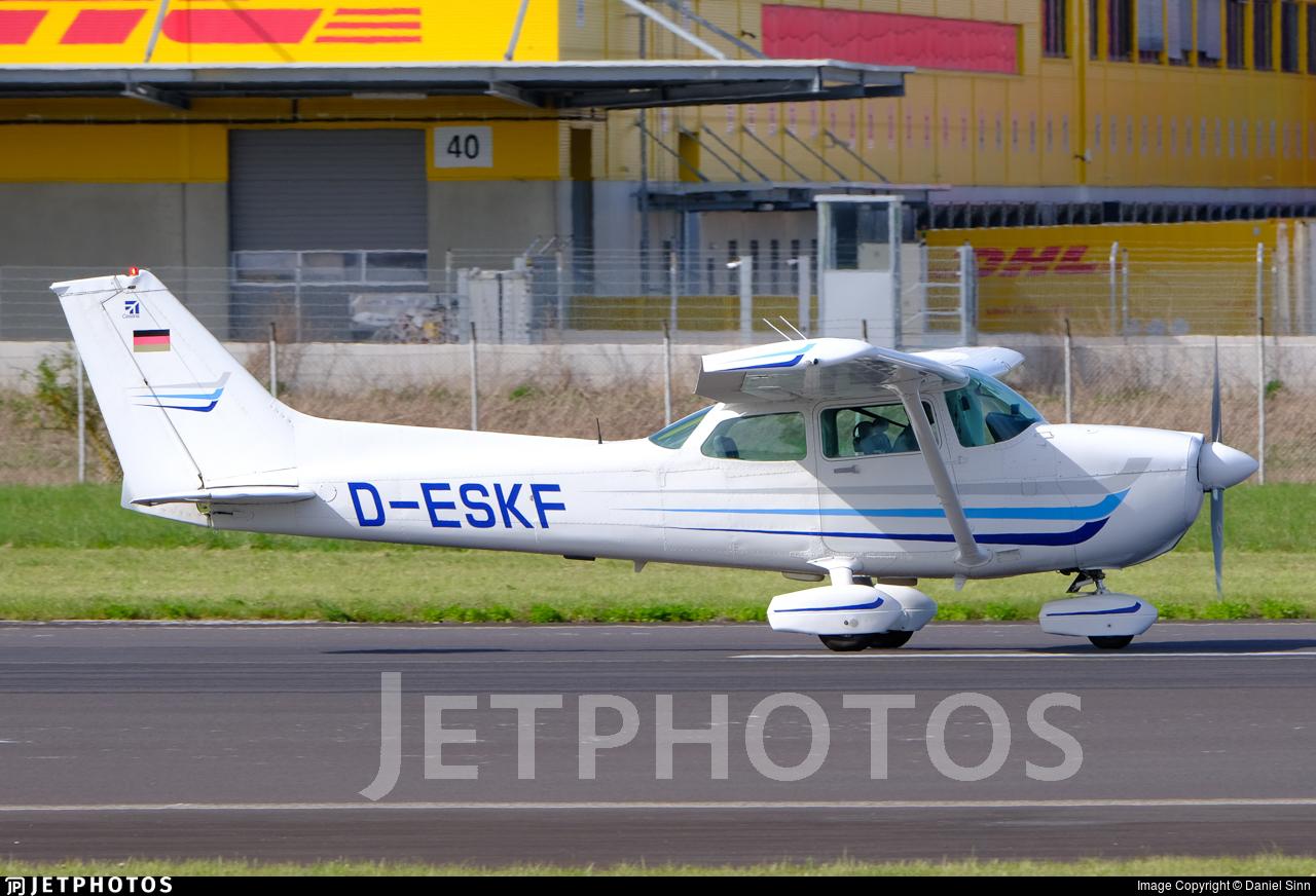 D-ESKF - Cessna 172P Skyhawk II - Wings of Linz