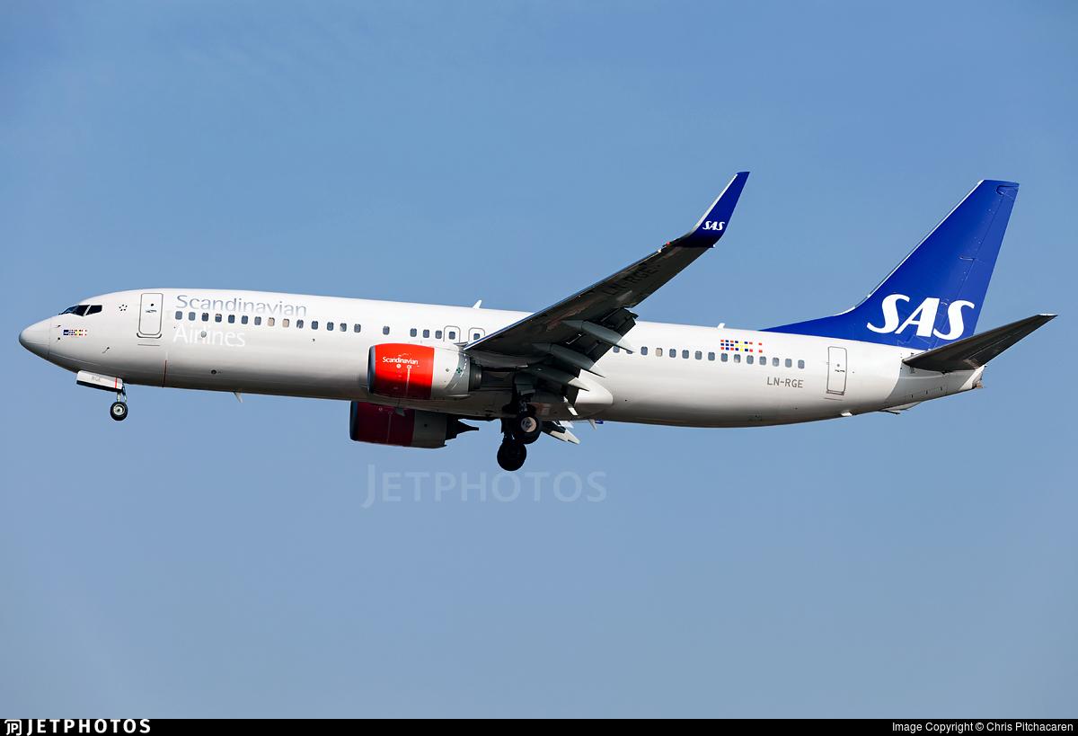 LN-RGE - Boeing 737-86N - Scandinavian Airlines (SAS)