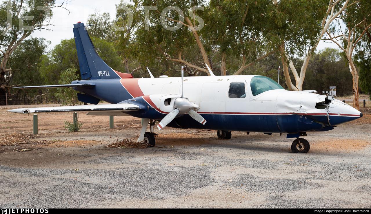 VH-TLL - Ted Smith Aerostar 601P - Private