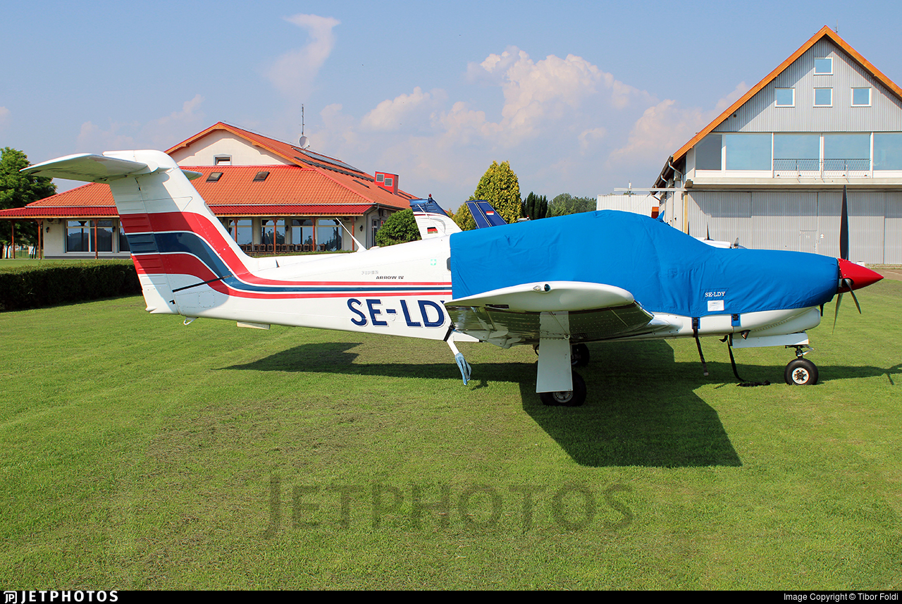 SE-LDY - Piper PA-28RT-201T Turbo Arrow IV - Private