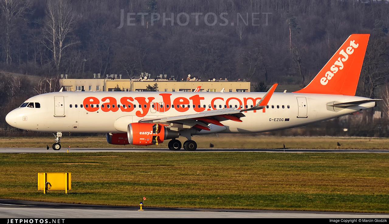 G-EZOG - Airbus A320-214 - easyJet